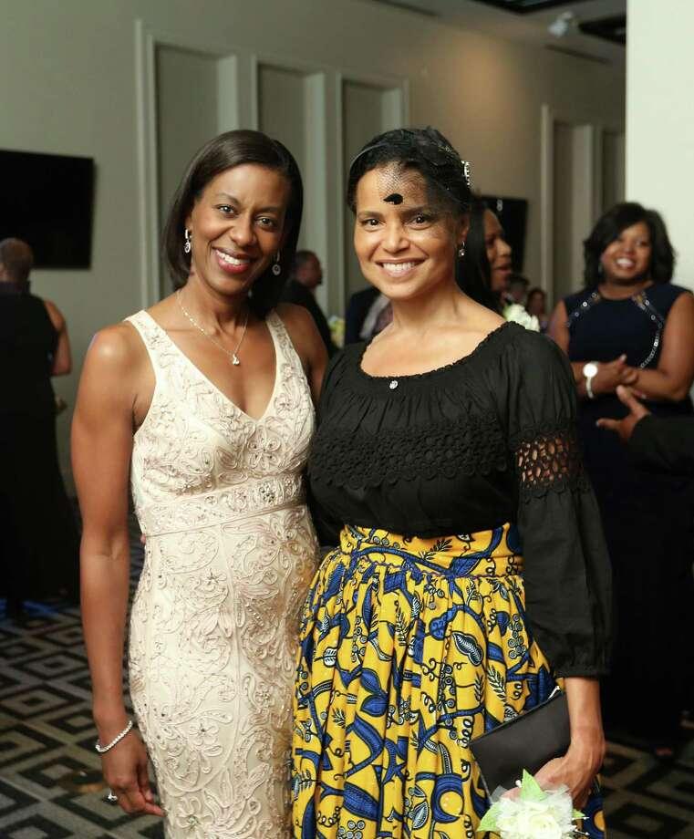 Carmen Wright, left, and Victoria Rowell Photo: Jon Shapley, Staff / © 2015 Houston Chronicle