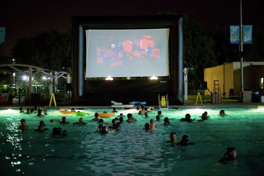 Dive In Movies Make A Splash In Deer Park Houston Chronicle