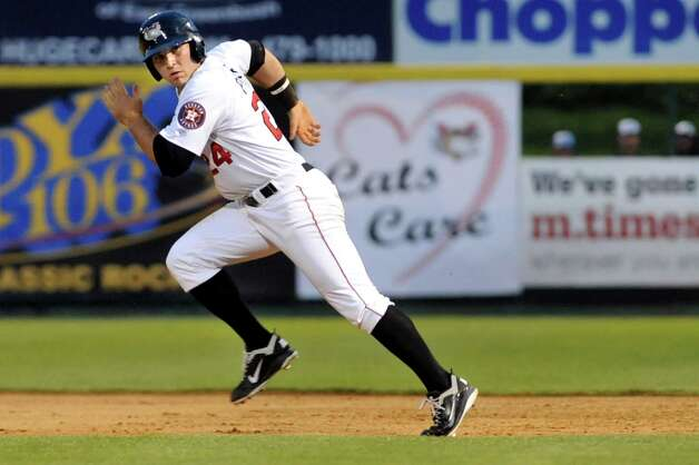 ValleyCats Pat Porter sprints for second during their baseball game against the Lake Monsters on Friday, July 17, 2015, at Joe Bruno Stadium in Troy, N.Y. (Cindy Schultz / Times Union) Photo: Cindy Schultz / 00032629A