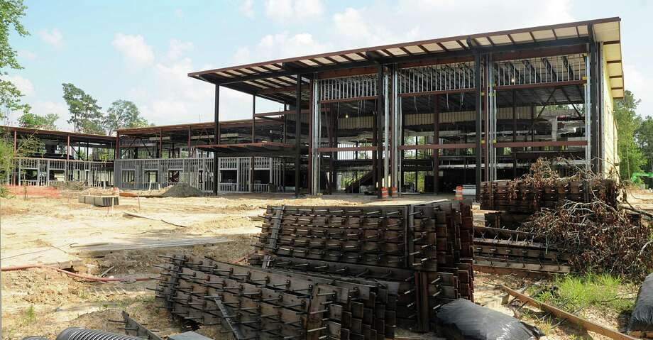 Construction is ongoing at Lone Star College's Creekside Center. The 85,000-square-foot facility will accommodate 3,500 students with a tentative completion in November. Photo: David Hopper, Freelance / freelance