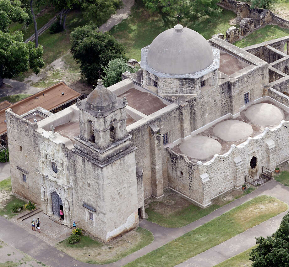 A view of the area around Mission San José. Whether to develop land around the missions — and to what extent — has been the subject of much public debate since local developer 210 Developers proposed building apartments across from the Mission San José visitors center. Photo: Edward A. Ornelas /San Antonio Express-News / © 2015 San Antonio Express-News