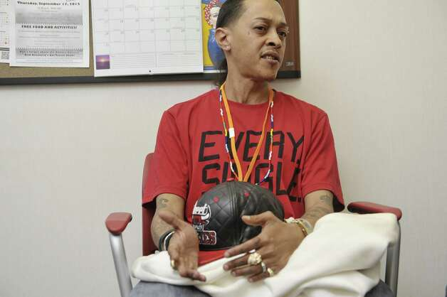 Cherokee  Ramirez a client of Camino Nuevo outpatient methadone clinic talks about the program during an interview on Wednesday, May 13, 2015, in Albany, N.Y. (Paul Buckowski / Times Union) ORG XMIT: MER2015051316263820 Photo: PAUL BUCKOWSKI / 00031767A