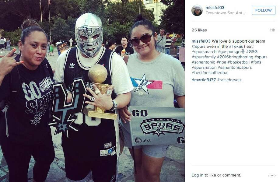 """We love & support our team @spurs even in the #Texas heat,"" missfel03 Photo: Mendoza, Madalyn S, Instagram.com"