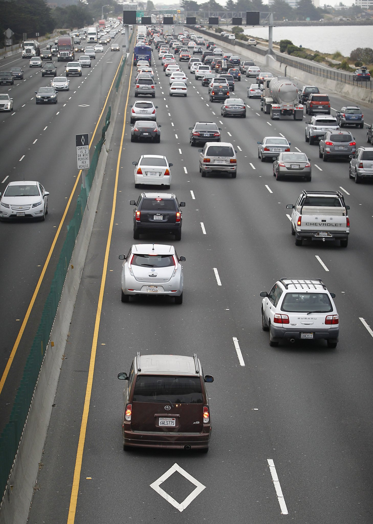 Carpool Lane Rules >> Clogged Diamond Lanes Mean Carpoolers Get Little Relief