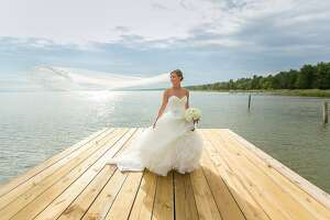 Athletes meet and marry at destination wedding - Photo