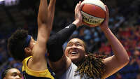 WNBA suspends Stars' Adams for three games - Photo