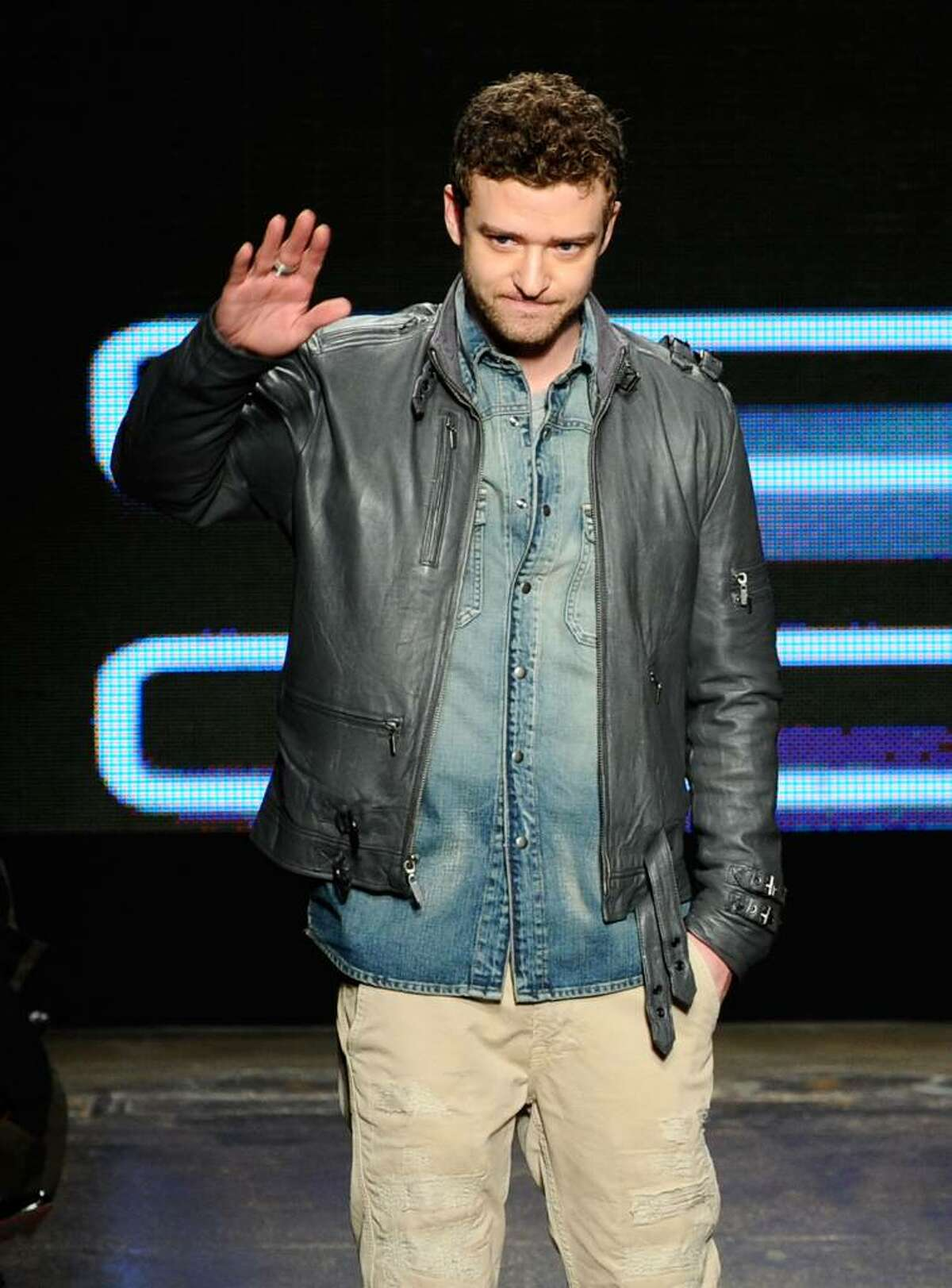 NEW YORK - FEBRUARY 17: Justin Timberlake walks the runway at the William Rast Fall 2010 Fashion Show during Mercedes-Benz Fashion Week at Cedar Lake on February 17, 2010 in New York City. (Photo by Stefan Gosatti/Getty Images) *** Local Caption *** Justin Timberlake