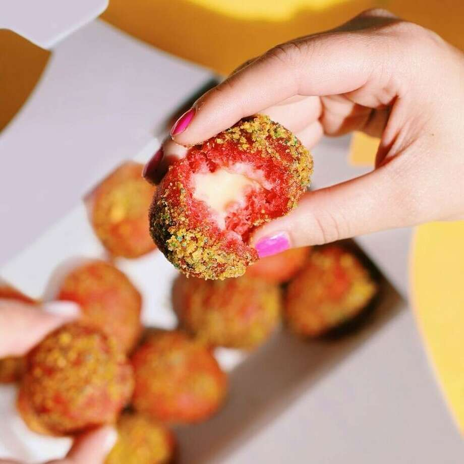 Cap'n Crunch Delights from Taco Bell Photo: --