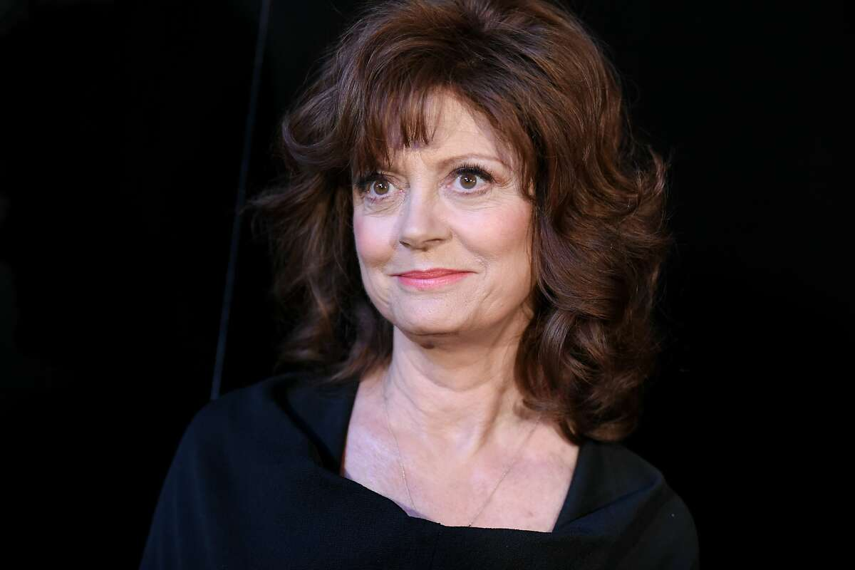 """FILE - In this May 11, 2015 file photo, Susan Sarandon arrives at the world premiere of """"The Secret Life of Marilyn Monroe"""" held at The Theatre at Ace Hotel, in Los Angeles. Sarandon is reuniting with big-screen co-star Nick Nolte for a TV political satire. The Epix premium channel said Sarandon will play a former first lady opposite Nolte's ex-U.S. president in the half-hour series titled """"Graves,"""" set to debut in August 2016. (Photo by Richard Shotwell/Invision/AP, File)"""