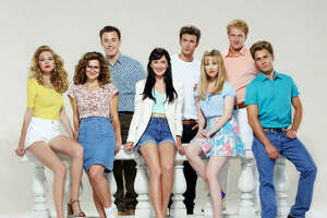 Back at the Peach Pit: '90210' stars, then and now - Photo