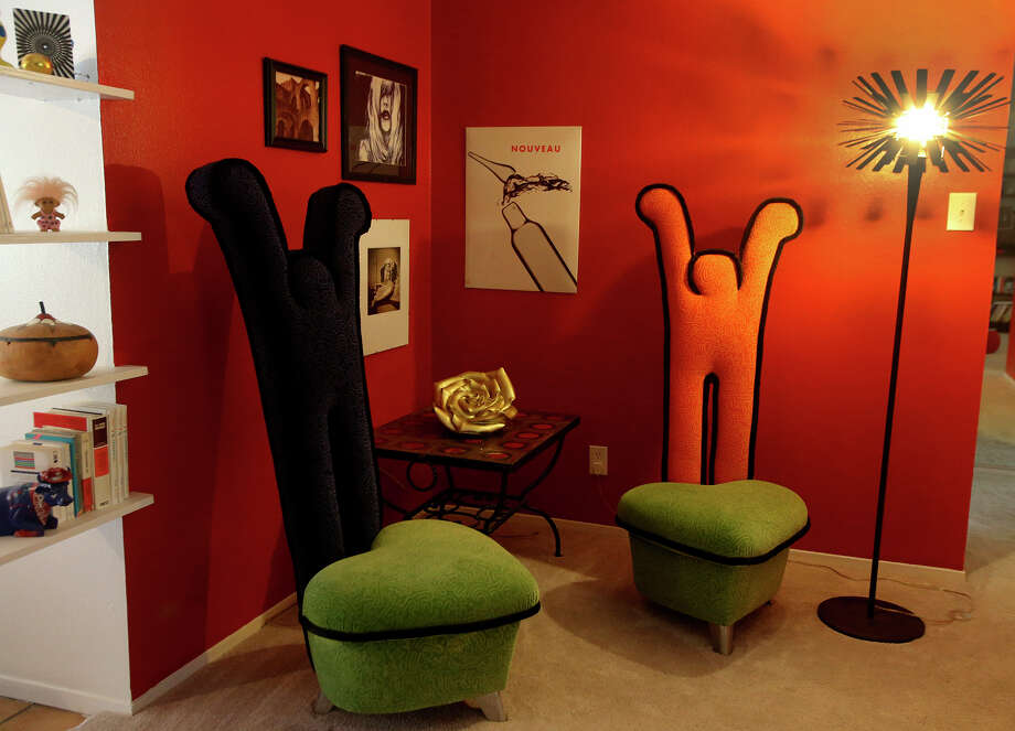 Contemporary furniture and bright colors are abundant in the home of Isabella Burke. Photo: John Davenport, Staff / San Antonio Express-News / ©San Antonio Express-News/John Davenport