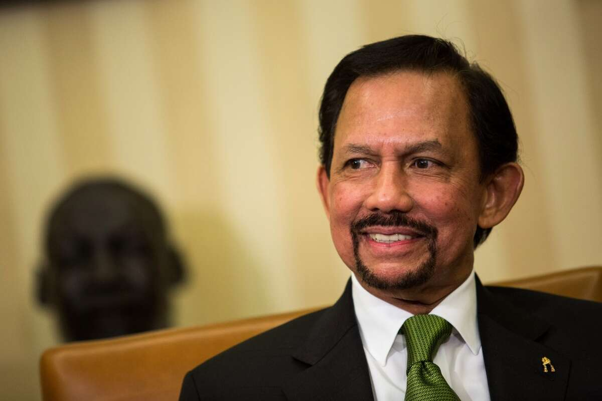 Sultan Haji Hassanal Bolkiah Country: Brunei Net worth: $20 billion