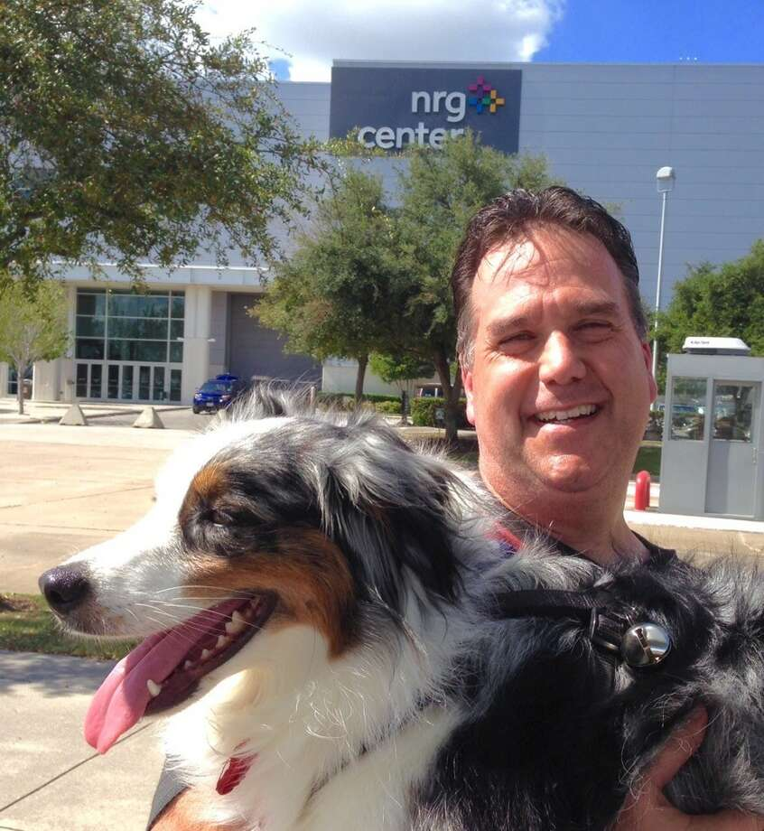 Bernstein's Mark McNitt debuted his newest disk dog, two-year-old Ziggy, at the Houston World Series of Dog Shows last week.