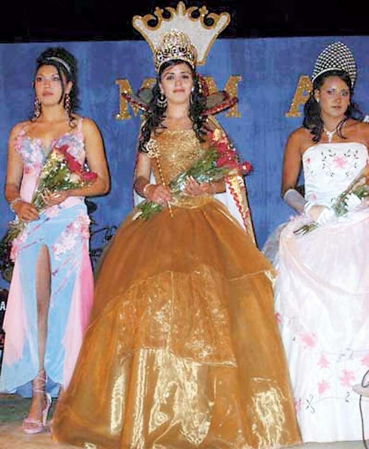 pageant queen wife of drug cartel trafficker joaqu u00edn  u0026 39 el chapo u0026 39  guzm u00e1n trying to avoid arrest