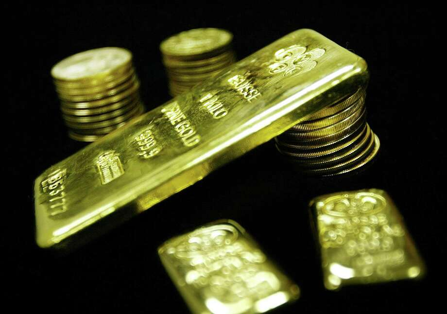 In 2012, the University of Chicago asked 40 leading economists whether a gold standard would improve the lives of average Americans. All 40 said no. Photo: Getty Images File Photo / 2003 Getty Images