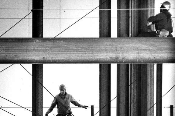 Work is in full swing in 1986 on the Hilton San Francisco Union Square's second tower.