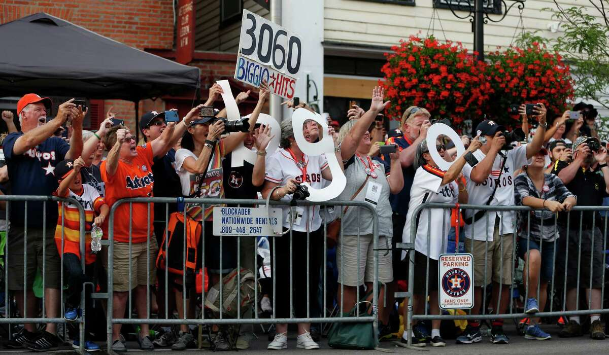 Boisterous Astros fans lined Saturday's parade route in support of Craig Biggio, who today will become the first player who spent his entire career with the Astros to be inducted into the Baseball Hall of Fame.