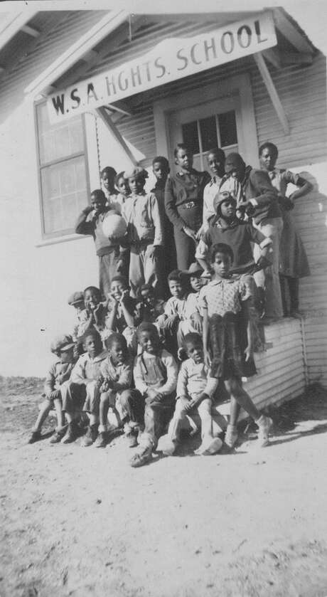 Students stand by the front door of the West San Antonio Heights School, circa 1936. Photo: Courtesy UTSA Special Collections / UTSA Special Collections