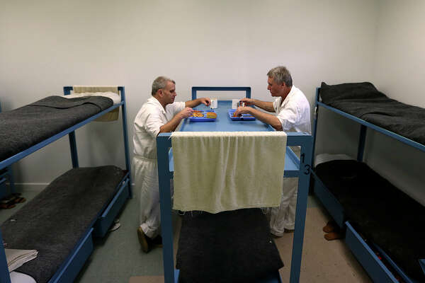 Veterans dorm in jail aims to restore sense of mission