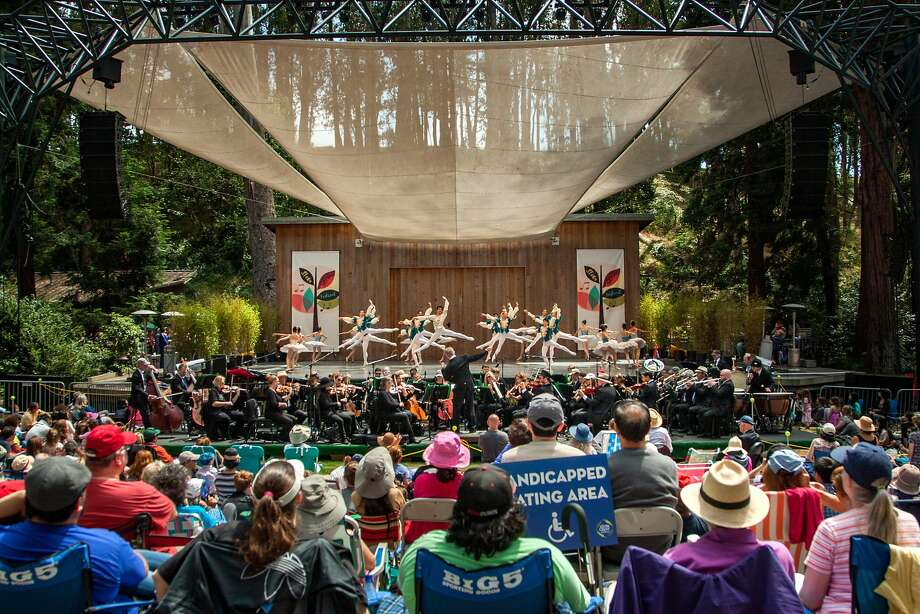 Thousands turned out to see the San Francisco Ballet at Stern Grove. Photo: Santiago Mejia, Special To The Chronicle