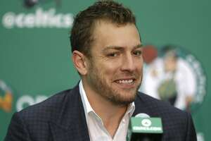 Warriors complete deal sending David Lee to Celtics - Photo