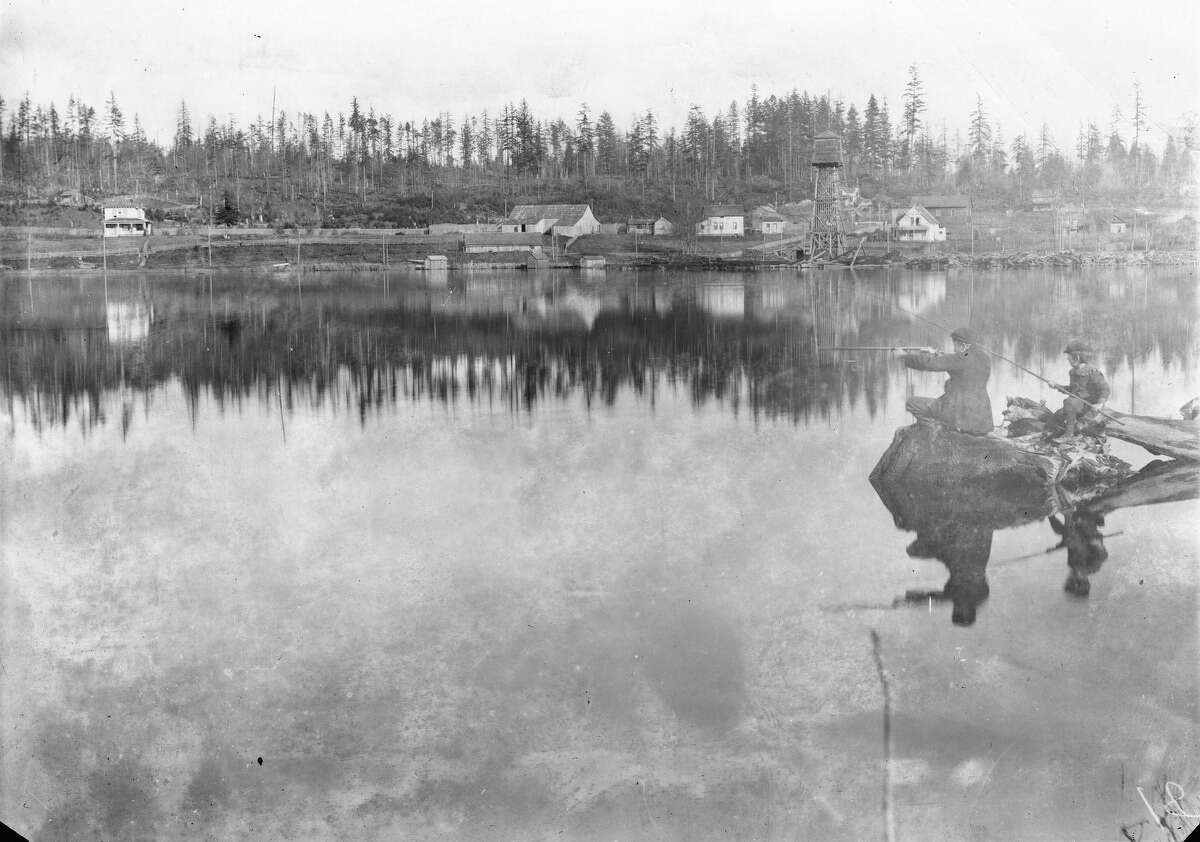 The east shore of Green Lake as pictured from Pospect Point around 1900.