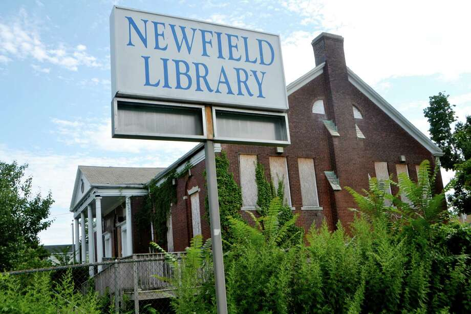 Plans are being made to move the Newfield Branch Library back to its former location on Central Avenue from the current building next door on Stratford Avenue in Bridgeport. Photo: Bailey Wright / For Hearst Connecticut Media / Connecticut Post Freelance