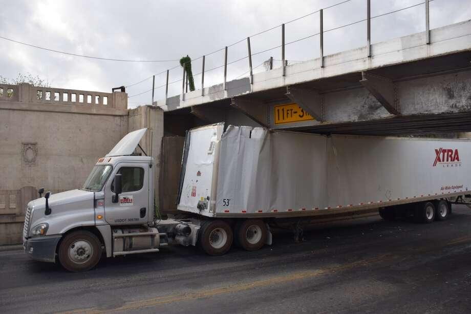 18 Wheeler Gets Wedged Beneath St Mary S Street Bridge