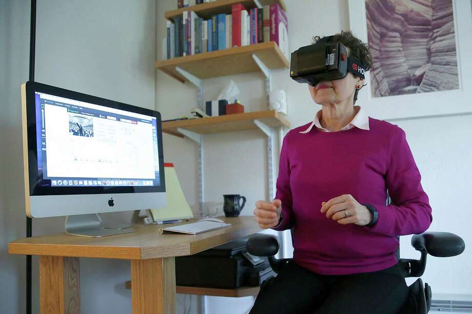 Clinical psychologist Elizabeth McMahon, Ph.D, shows her use of Psious virtual reality technology to help treat patient anxiety disorders in San Francisco, Calif., on Tuesday, July 21, 2015. Photo: Liz Hafalia, Staff / ONLINE_YES