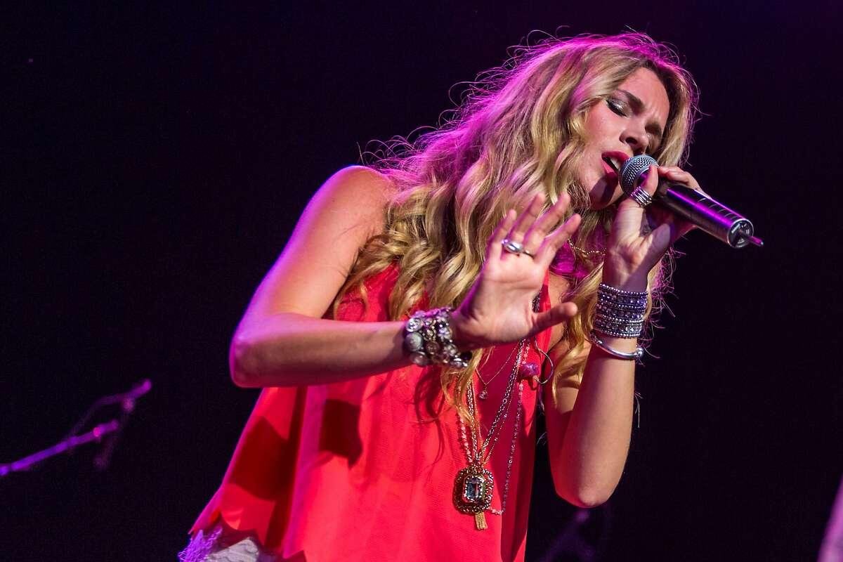 Joss Stone performs on stage at The Fonda Theatre on Thursday, July 23, 2015 in Los Angeles. (Photo by Paul A. Hebert/Invision/AP)