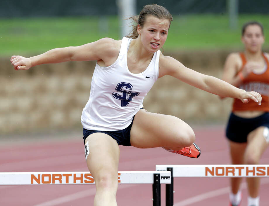 Smithson Valley's Olivia Pappas qualified for the USATF Junior Olympics during a two-heptathlon week earlier this month. Photo: Tom Reel / San Antonio Express-News