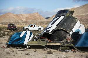 NTSB: Spacecraft that crashed not made to overcome human error - Photo