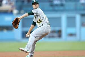 Sonny Gray great as A's beat L.A. 2-0 to end losing streak - Photo