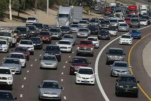 Average U.S. vehicle age hits record 11.5 years - Photo