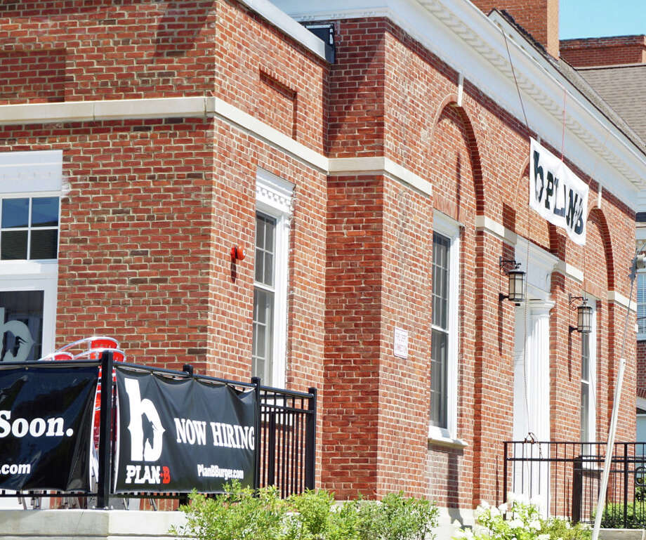 The long-awaited Plan B restaurant has opened in downtown Fairfield. Photo: Genevieve Reilly / Fairfield Citizen / Fairfield Citizen