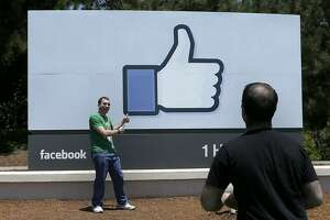 Facebook revenue, profit beat forecast, but costs up sharply - Photo