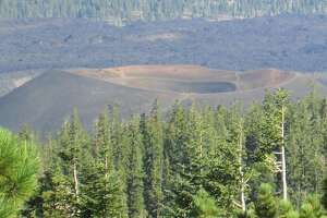 Trail to top of volcanic Lassen Peak finally reopens - Photo