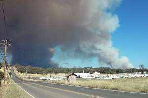 Fast-spreading fire explodes to more than 4 square miles - Photo