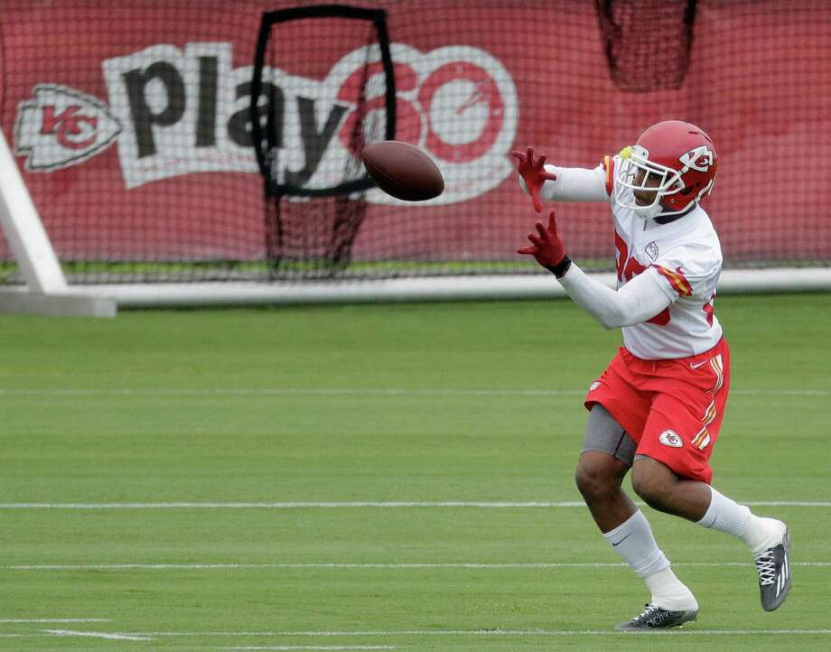 There was nothing routine about Eric Berry's taking part in drills at Chiefs training camp Wednesday. It marked a sign of the safety's recovery after undergoing treatment for lymphoma since December. Photo: Charlie Riedel, STF / AP