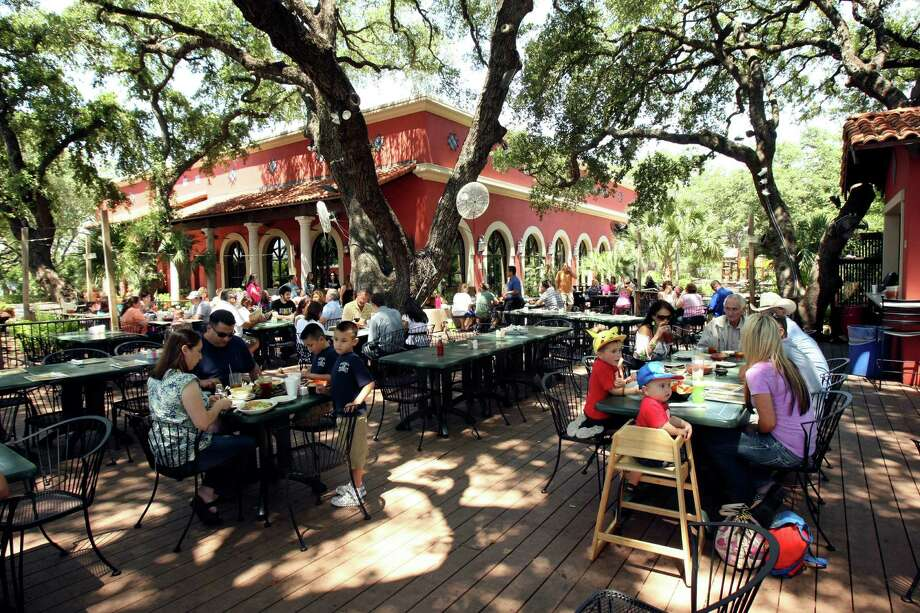 """On Monday and Tuesday, the 18747 Redland Road restaurant is serving fajitas for two for $18.95. Customers can choose from beef or chicken fajitas or a mix of both. The special comes with """"all the fixings"""" according to online promotions. Photo: Express-News File Photo / ©SAN ANTONIO EXPRESS-NEWS"""
