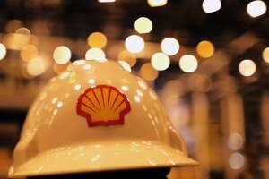 Shell to ax thousands of jobs - Photo