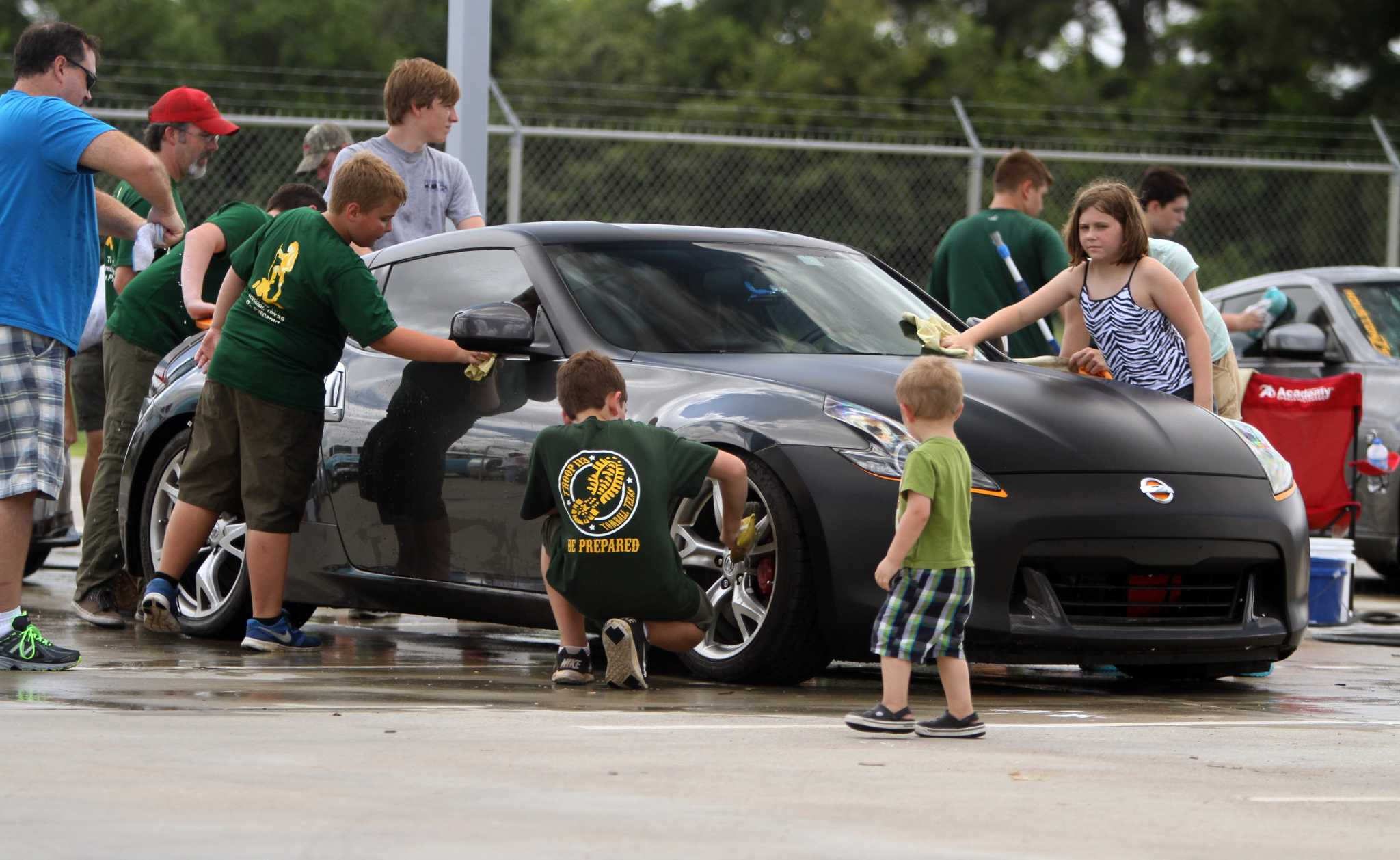 fred haas nissan hosts tomball boy scouts 39 car wash event newstimes. Black Bedroom Furniture Sets. Home Design Ideas