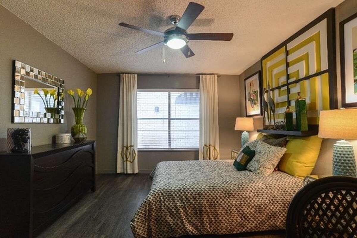 San Antonio Bedrooms:1 Bathrooms:1 Square footage:775 Price:$1,050/month This property:Unit A1, 123 Brackenridge Ave., San Antonio, Texas 78209 Amenities:Pool, club house, courtyard, parking garage Source:Trulia