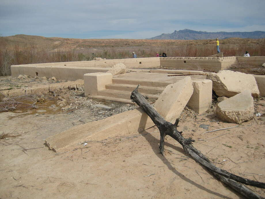 A building foundation in St. Thomas revealed by receding water levels at Lake Mead. Photo: JKotto, Wikimedia Commons