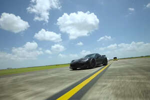 Hennessey Corvette Z06 goes faster on a Houston airport runway than a plane would need for takeoff - Photo