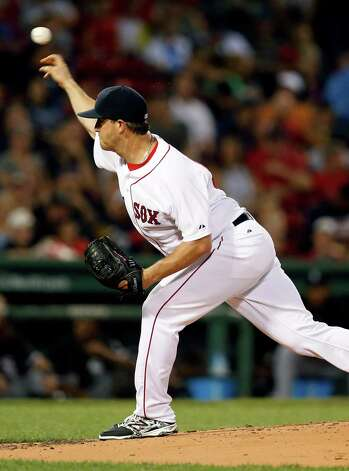 Boston Red Sox's Steven Wright pitches during the second inning of a baseball game against the Chicago White Sox in Boston, Thursday, July 30, 2015. (AP Photo/Michael Dwyer) ORG XMIT: MAMD105 Photo: Michael Dwyer / AP