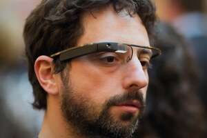 Google Glass is creeping back - Photo
