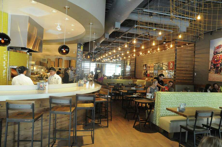 California Pizza Kitchen launches new model in The Woodlands ...