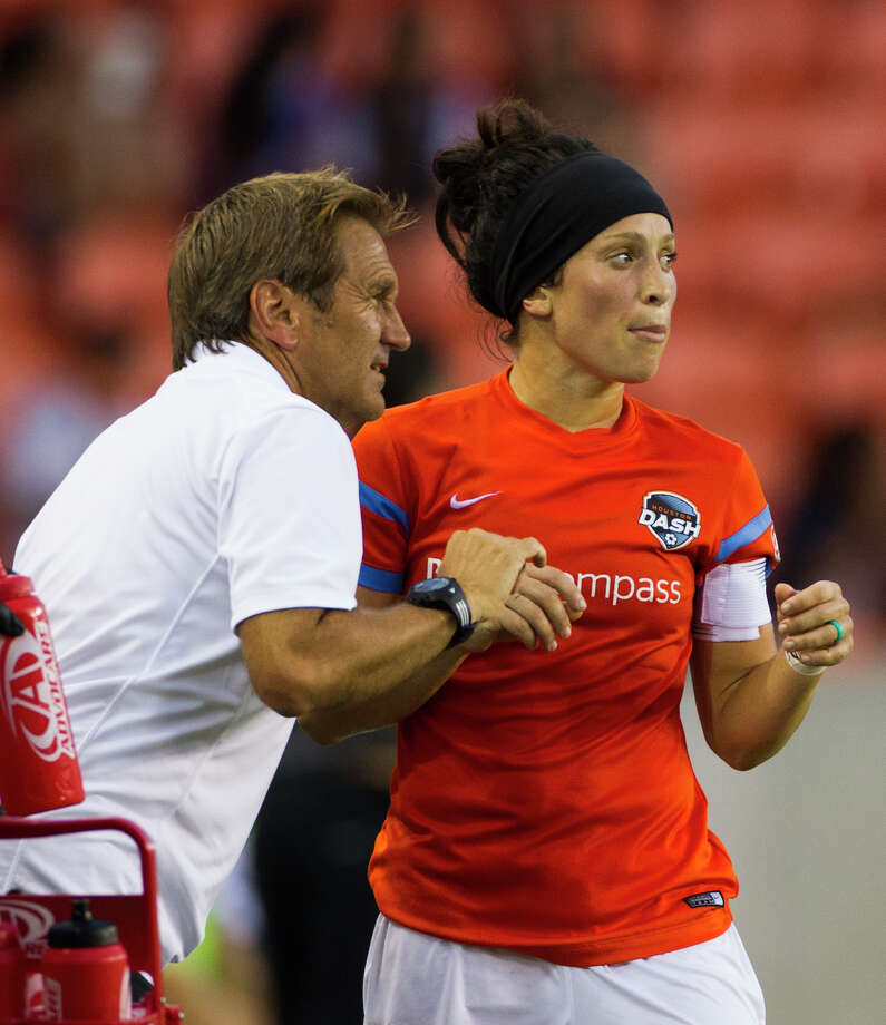Houston Dash's  Ella Masar (30) speaks to the head coach Randy Waldrum during a game against FC Kansas City. ( Marie D. De Jesus / Houston Chronicle ) Photo: Marie D. De Jesus, Staff / © 2015 Houston Chronicle