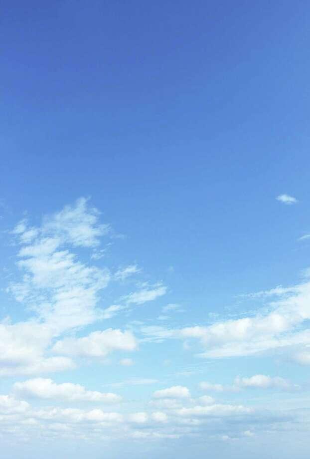 clear sky Photo: Kokoroyuki / iStockphoto